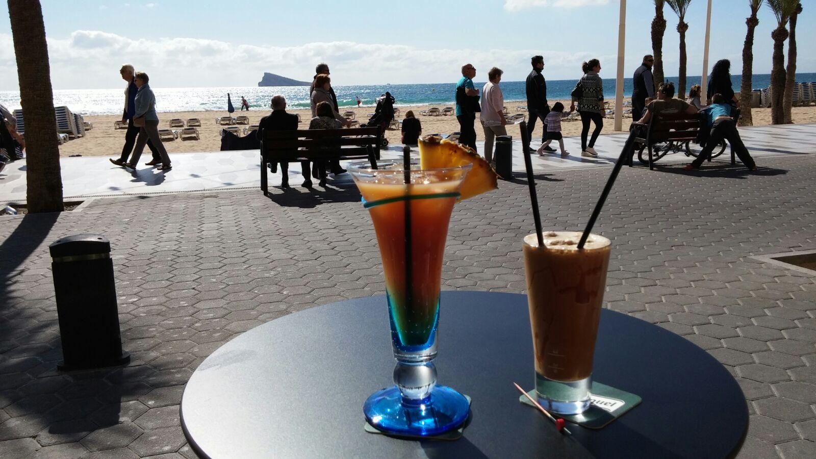 'Week 25: Spaanse zon en strand' In week 25 zijn we heerlijk tot rust gekomen op vakantie in Altea, Spanje. Lees het snel op http://meemoeder.com/week-25/