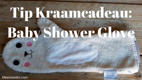 'Tip Kraamcadeau: Baby Shower Glove' In deze blog lees je mijn review van de Baby Shower Glove. Ik vind het een handig en origineel kraamcadeau. Lees het snel op Meemoeder.com: http://bit.ly/BabyShowerGlove!