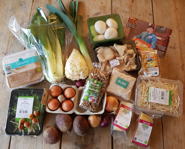 'Review: De vegetarische Beebox' Ik mocht van Beebox de vegetarische Beebox proberen. Lees hier welke gerechten ik heb gemaakt en wat ik ervan vond: http://bit.ly/Beebox