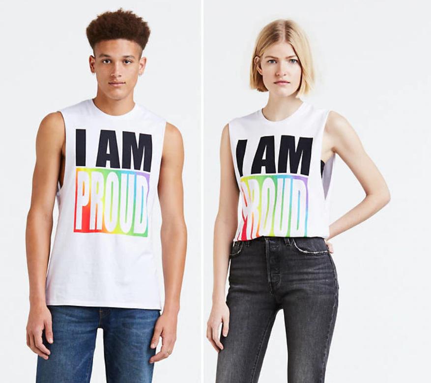 'Op zoek naar leuke Pridekleding of -accessoires?' Ik vind het dan altijd erg leuk om tijdens Pride iets met regenbogen te dragen. Jij ook? Mooi, dan kun je inspiratie opdoen in deze blog! Levi's heeft dit jaar namelijk in diverse landen een collectie voor Pride uitgebracht, dus als je op zoek bent naar kleding of accessoires voor Pride, dan kun je hier terecht. Vind alle elf items hier: http://bit.ly/LeviPride