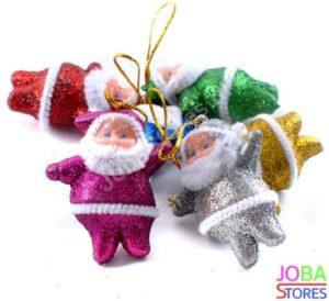 We willen allemaal een mooie kerstboom, maar laten we eerlijk wezen: smaken verschillen. En kinderen hebben zo hun eigen mening. Hieronder heb ik een lijstje gemaakt van kerstboomversieringen die je kind waarschijnlijk leuk vindt.